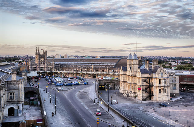Bristol Temple Meads station by Ariadna De Raadt (via Shutterstock).