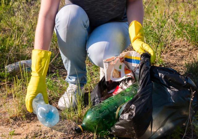 Spring clean image by Itakdalee (via Shutterstock).