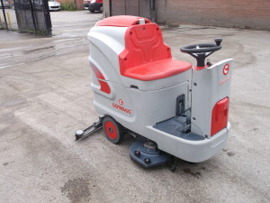 Comac Innova 85B ride on scrubber dryer