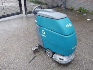 Tennant T3 Pedestrian Scrubber Dryer